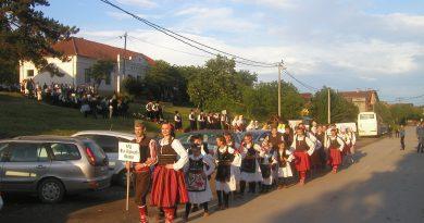 Одржана 13. Међуокружна смотра фолклорних ансамбала (ВИДЕО)