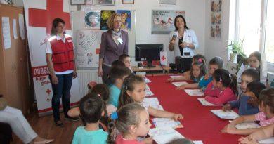 """ПУ """"Наша радост"""" у посети Црвеном крсту Варварин поводом Недеље здравих зуба"""