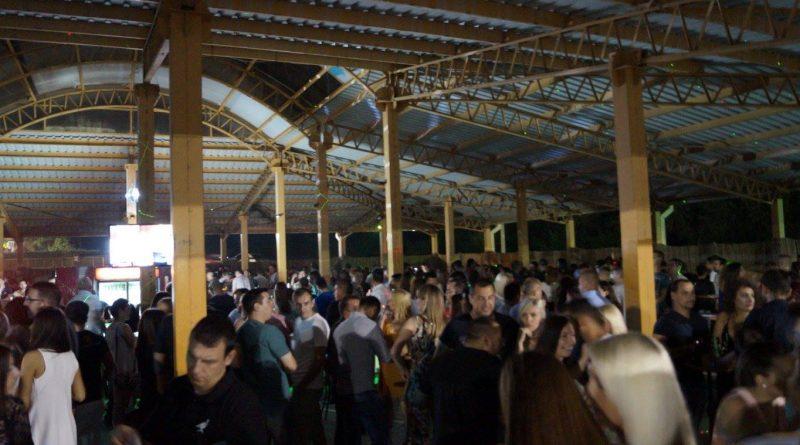 """""""Summer party"""" на базенима у Варварину 20. јула, првих 50 гостију уз наручено пиће добиће и бесплатне улазнице за """"Wild World Festival"""""""