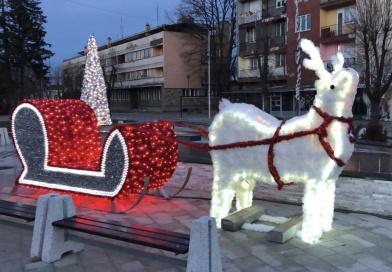 Варварин окићен пред новогодишње празнике