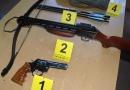 Хапшења у Београду и Трстенику, заплењена већа количина оружја и експлозивних средстава