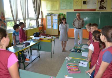 Табла за кошарку на поклон школи у Кукљину