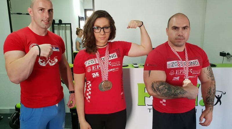 Трстеничани обарали руке у Загребу, кући донели три медаље