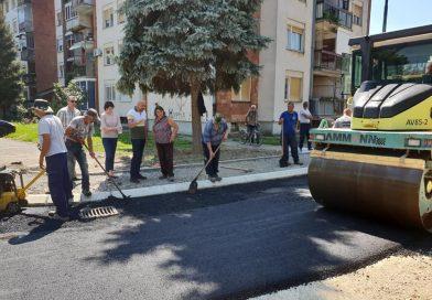 Асфалтирана улица Браће Спасојевић у Трстенику